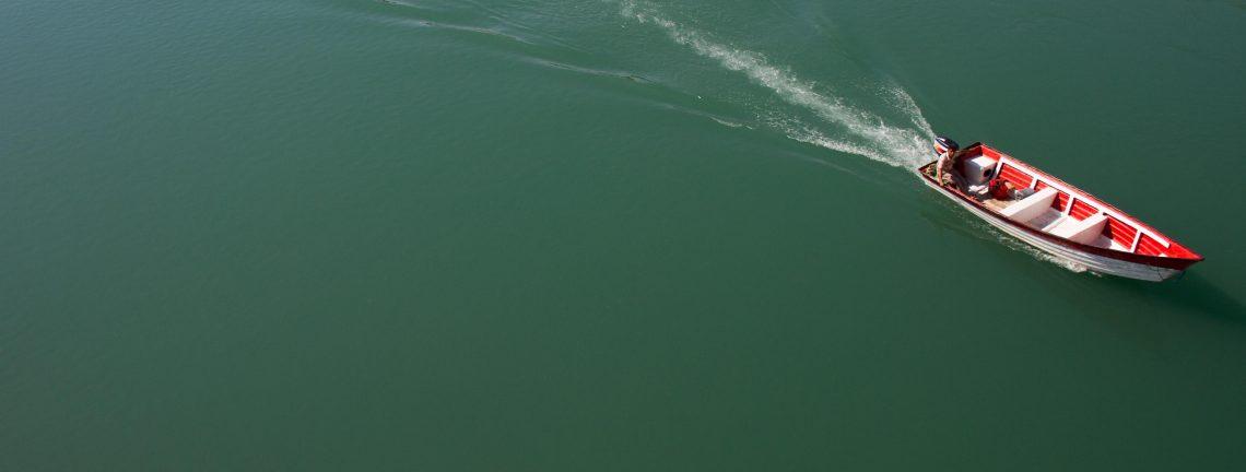 Barque sur lac en Iran