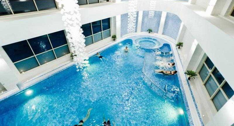 Piscine intérieur à l'hôtel Mirage MedSpa à Eforie Nord, Roumanie, thalasso, spa, mer noire