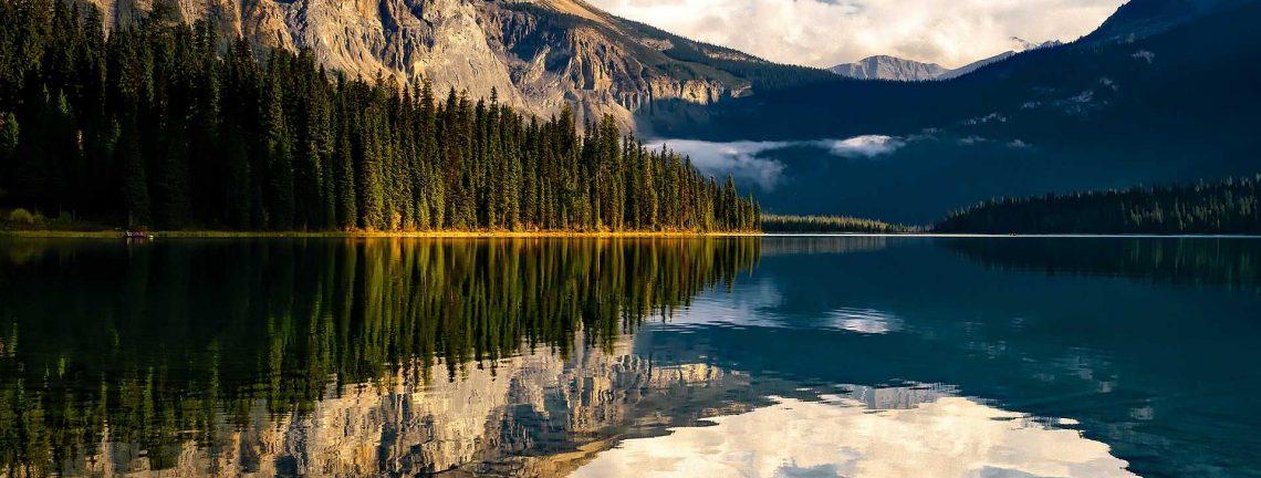 Paysage et lac au Canada