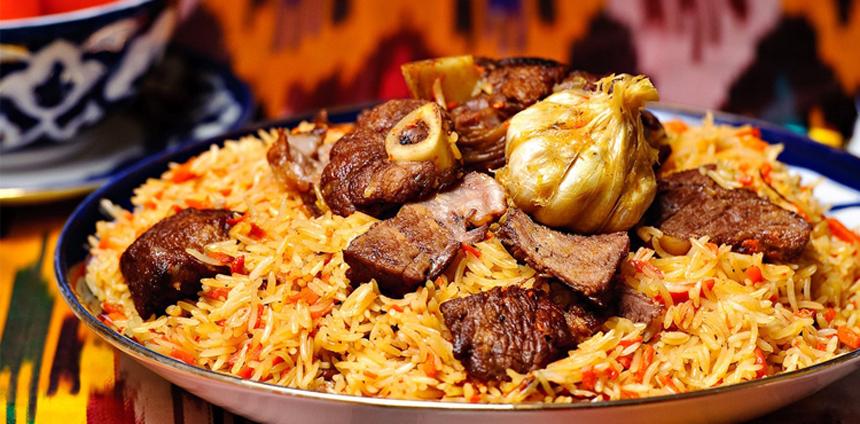 Pilaf, plat traditionnel en Ouzbékistan, riz, légumes et viande, Moyen Orient, Asie Centrale