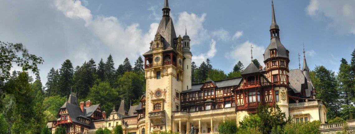 Le château de Peles à Sinaia, la Vallée de la Prahova, en Munténie, Roumanie