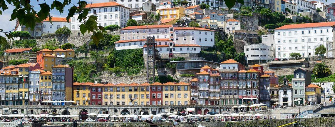 Vue sur Porto, architecture, patrimoine culturel, barques, Portugal, Europe