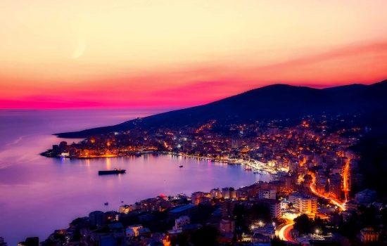 Vue panoramique sur la ville de Sarande en Albanie